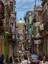 Mit Blick auf das Kapitol in Havanna